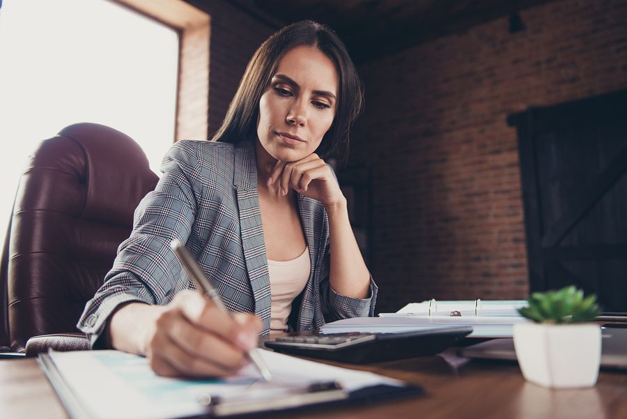 average lawyer starting salary